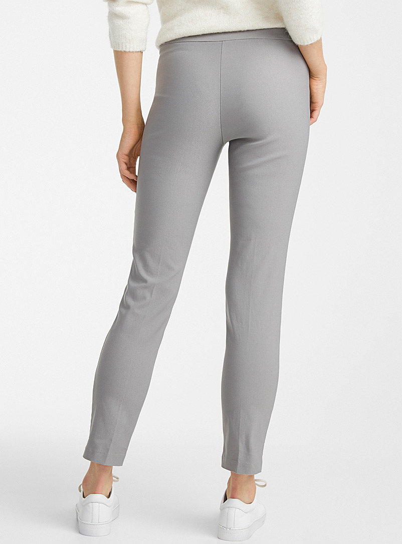 Contemporaine Black Essential slim pull-on pant for women
