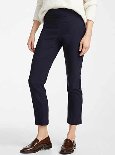 Essential slim pull-on pant