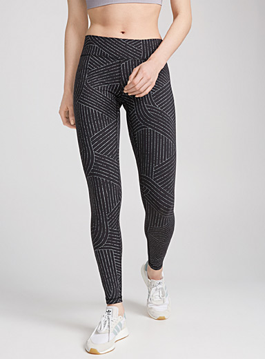 Graphic pattern ergonomic legging