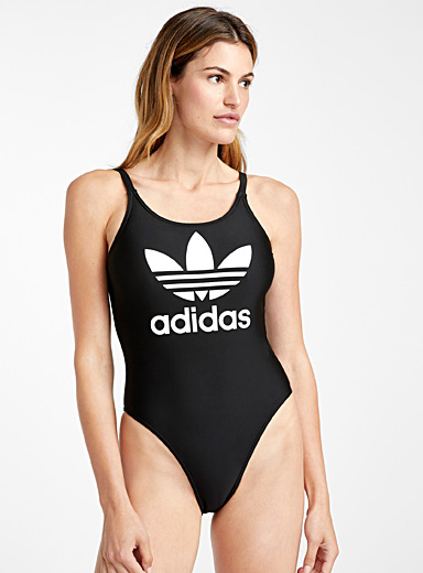 Trefoil scoop one-piece