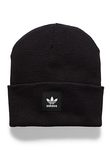 Emblem cuffed tuque