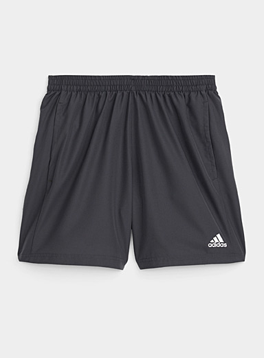 Le short de course respirant Run It gris