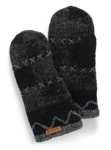 Checkered knit mittens