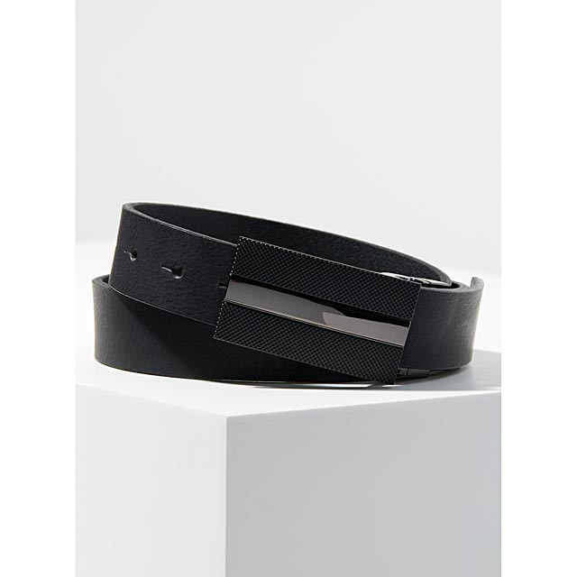 matte-finish-monochrome-belt