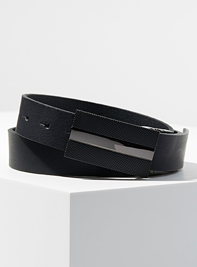 Matte finish monochrome belt
