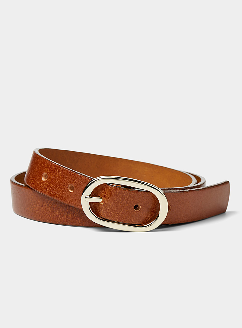 Oval-buckle belt