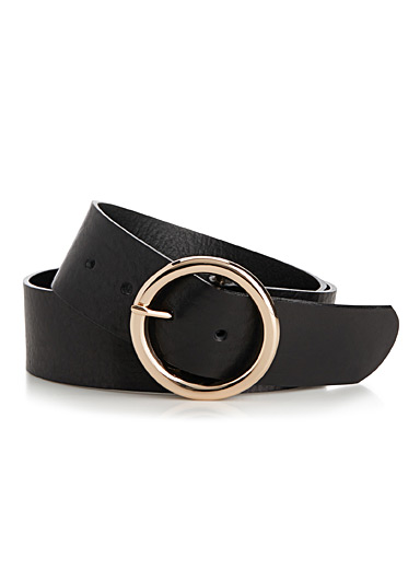 Wide grainy leather belt