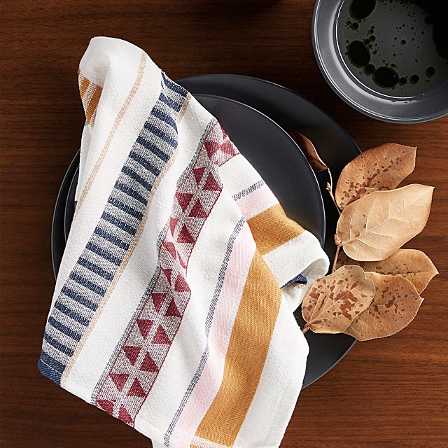 creative-stripe-napkin