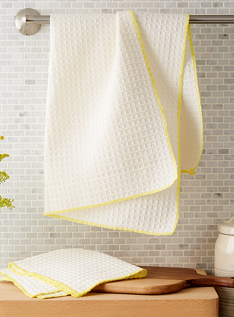lemon-accent-waffled-tea-towels