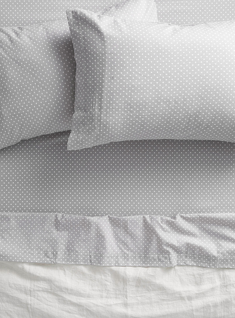 Simons Maison Assorted Polka dot flannel sheet  Fits mattresses up to 15 in.