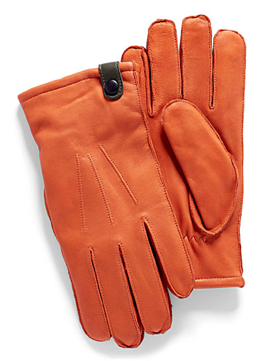Cut-and-sewn leather gloves