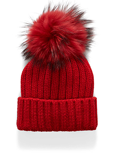 Solid pompom tuque