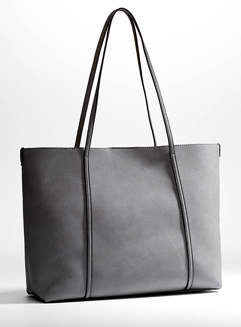 faux-leather-tote-and-clutch