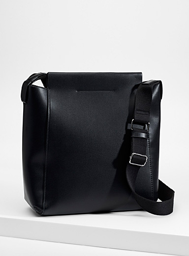 Clutch and shoulder-strap tote