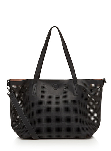 Perforated tote