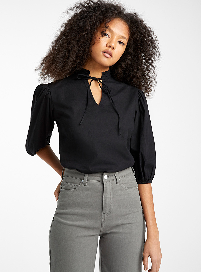 loose-ruffle-neck-blouse