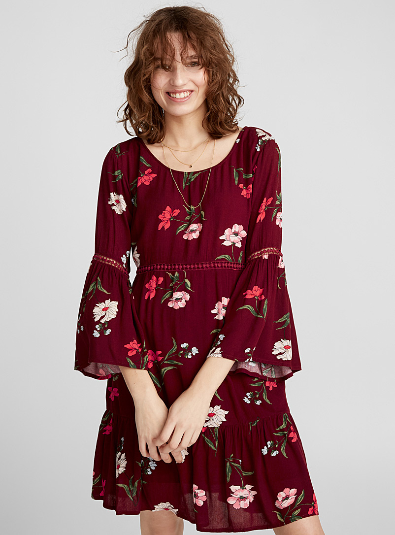 bell-sleeve-floral-dress