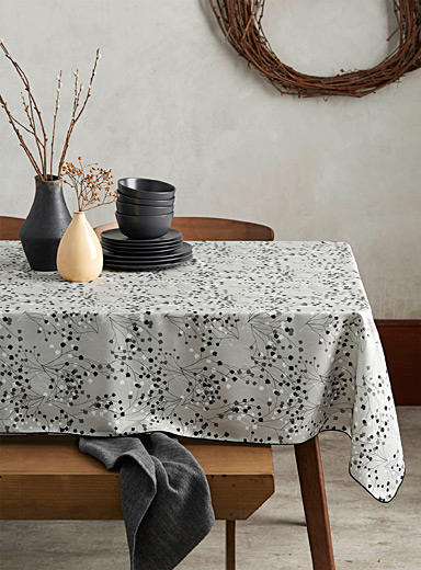 Baby's-breath tablecloth