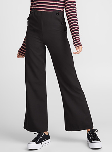 Accent-button flared pant