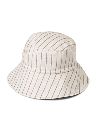 Thin stripe bucket hat
