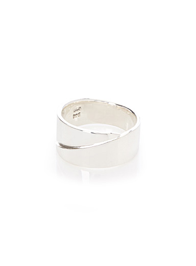 Diagonal cut silver ring