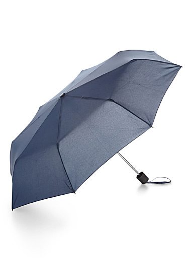 Solid compact umbrella
