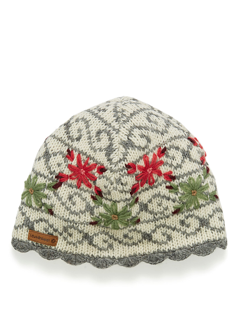 lined-floral-knit-tuque