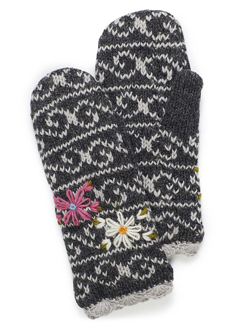 Laundromat Patterned Black Lined floral knit mittens for women