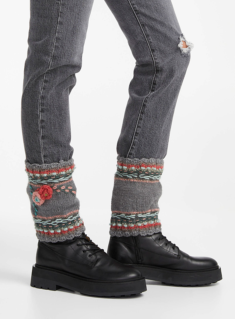 Lost Horizons Grey Lassen cropped legwarmers for women