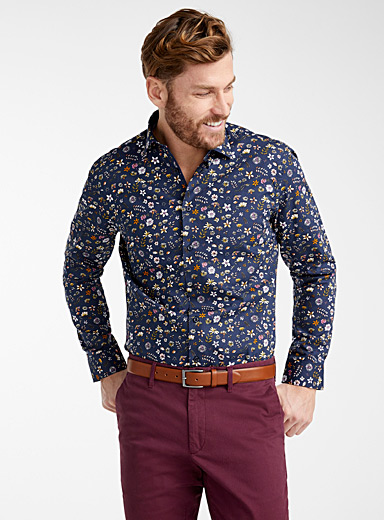 Scattered flowers shirt  Comfort fit