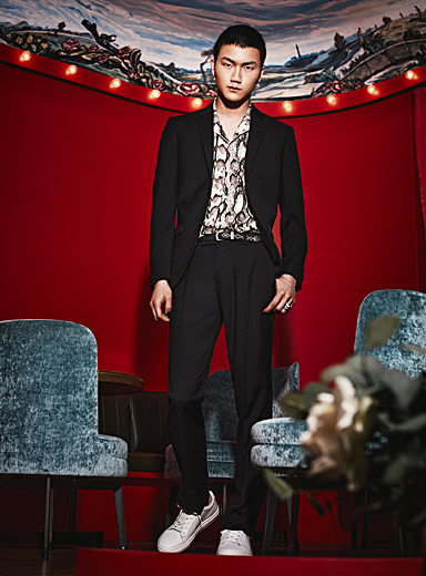 Le 31 Black Fluid suit  Slim fit for men