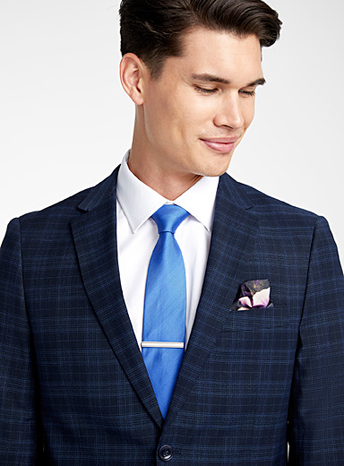 Accent blue checked suit  Semi-slim fit