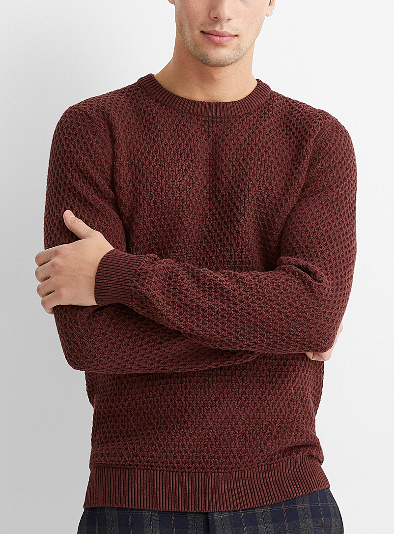 Embosses knit sweater