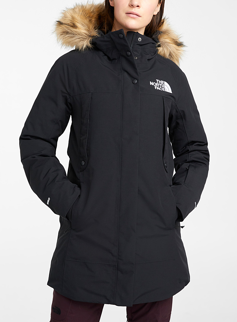 The North Face Black Outerboroughs fitted down parka  Relaxed fit for women