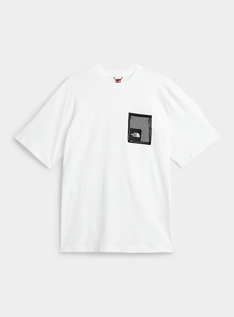The North Face: Le t-shirt Black Box pochette filet Blanc pour homme