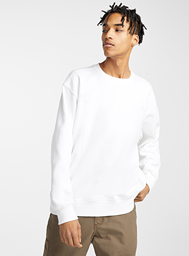 Le sweat monochrome