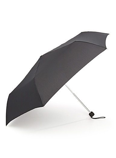 Essential black umbrella