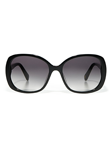 Square minimalist sunglasses