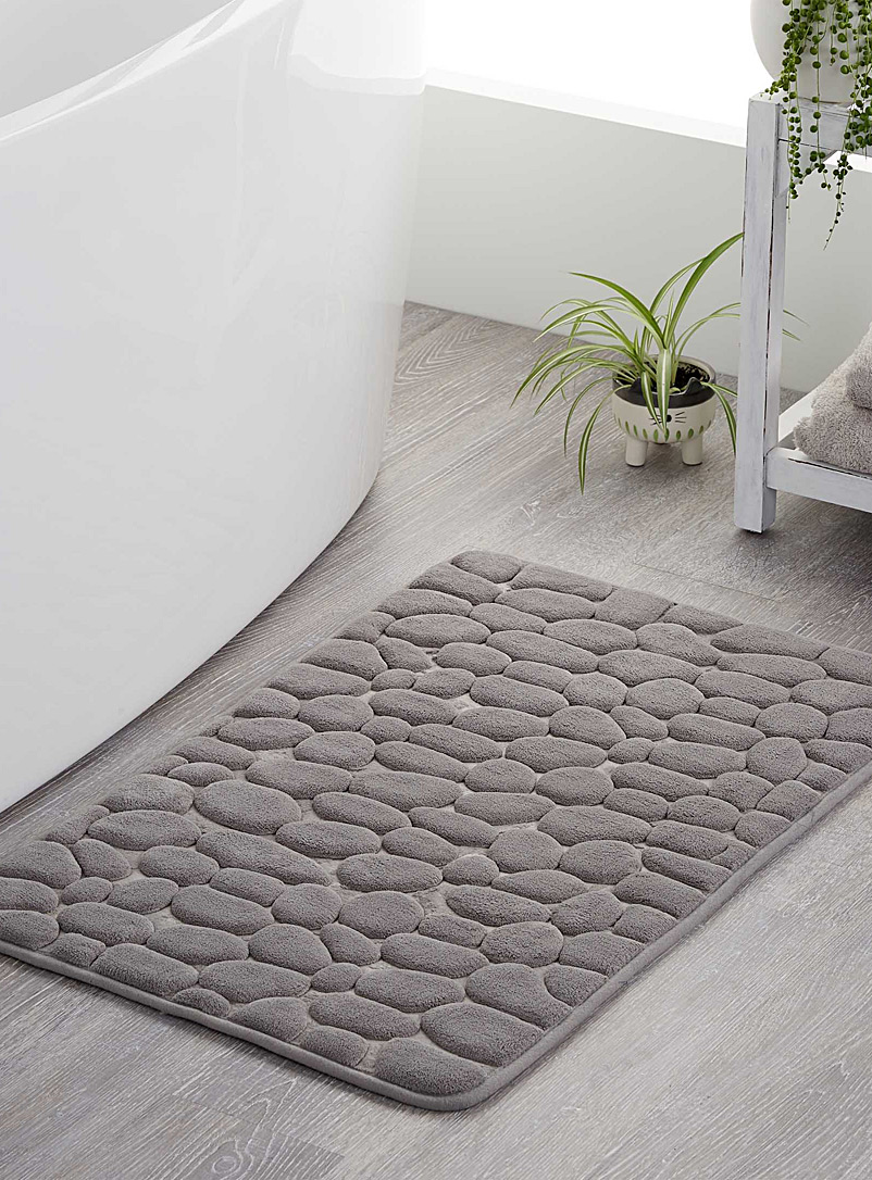 sea-of-pebbles-bath-mat-br-20-x-32
