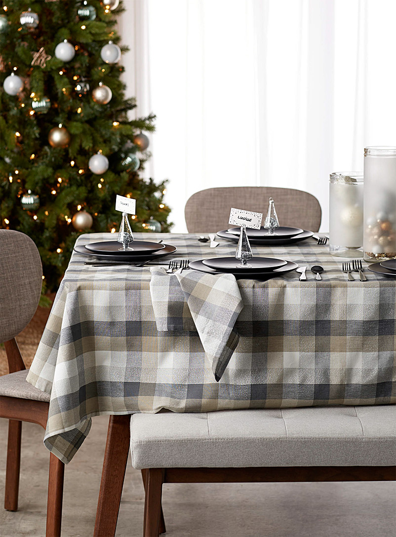 frosted-check-woven-tablecloth