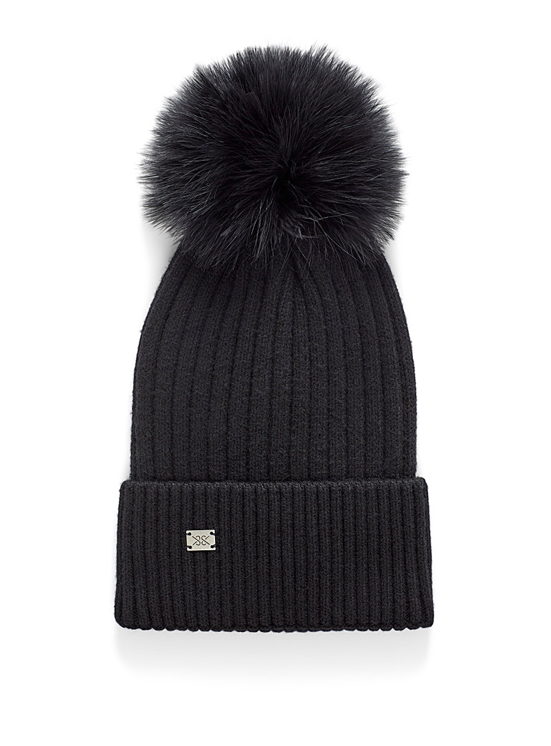 Removable pompom ribbed tuque