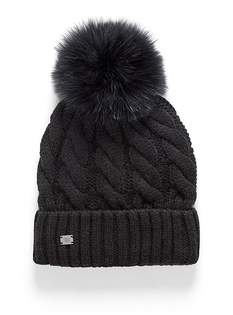 Twisted cable wool tuque