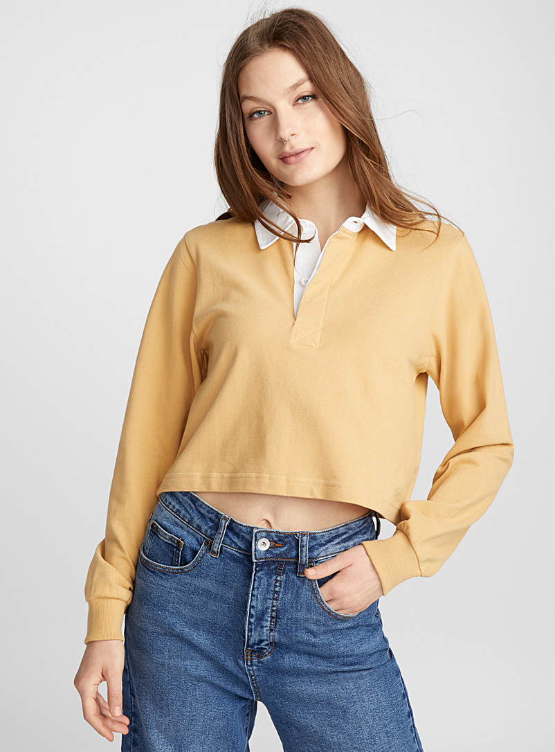 cropped-contrast-collar-polo