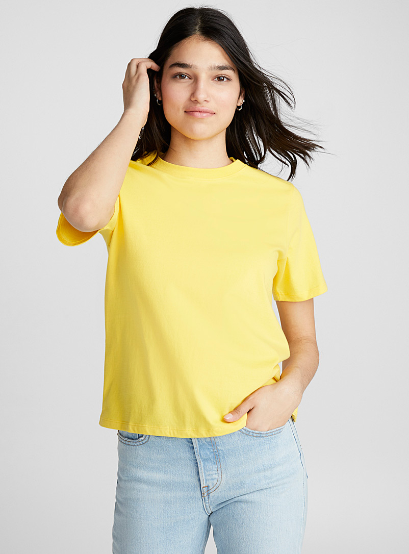 solid-crew-neck-loose-fit-tee