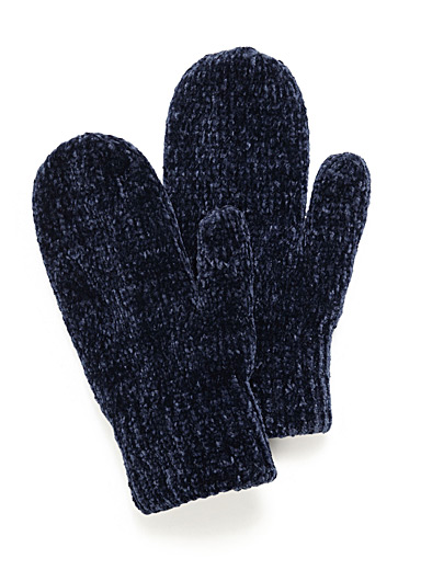 Chenille-knit mittens