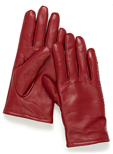 Minimalist solid leather gloves