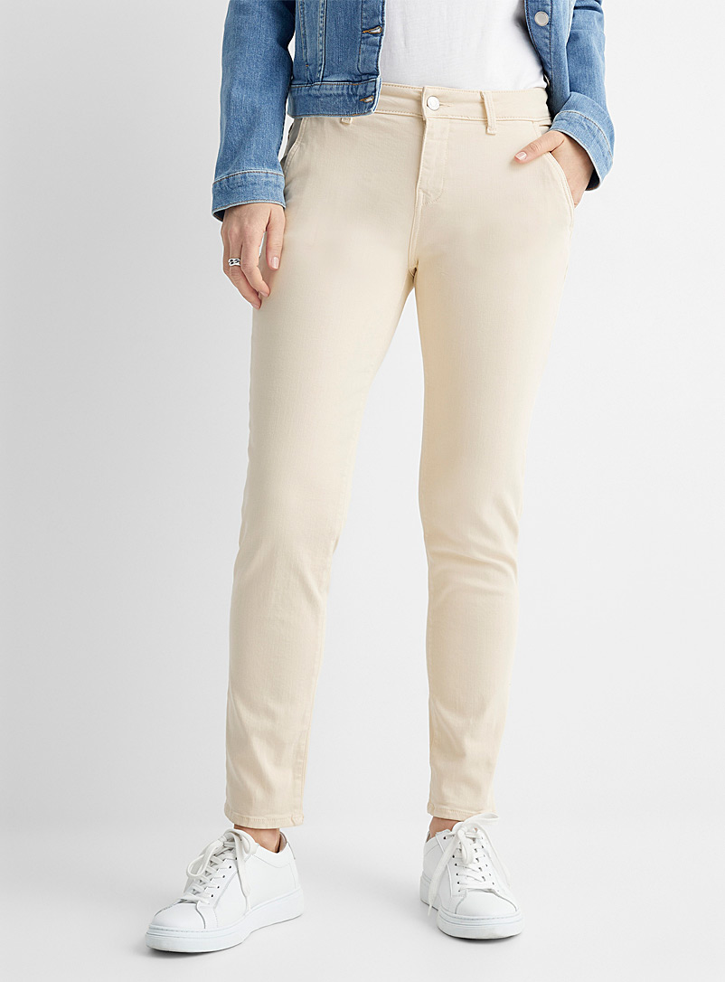 Natural hue Norah chinos