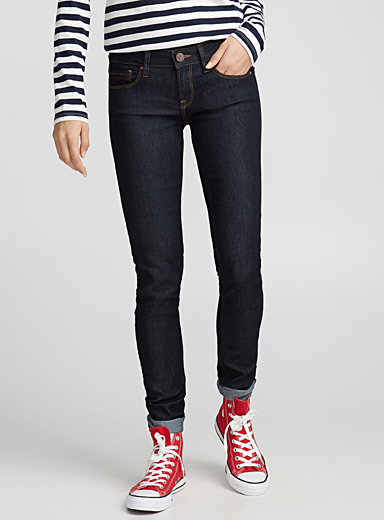 Lightweight denim jean