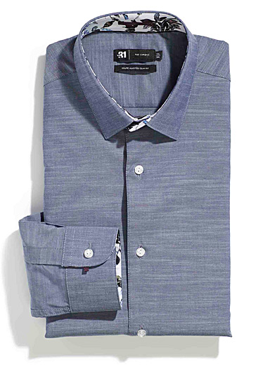 Textured chambray shirt <br>Tailored fit