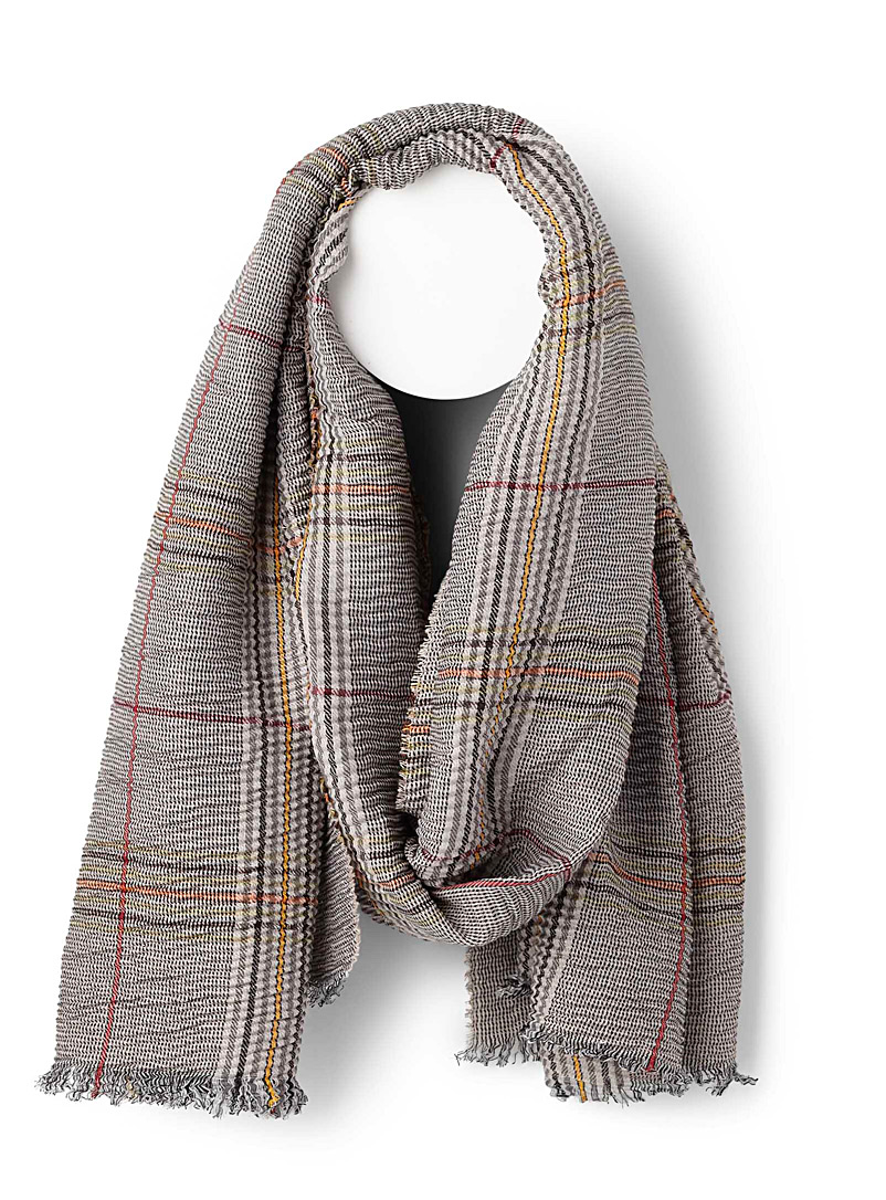 pleated-check-scarf